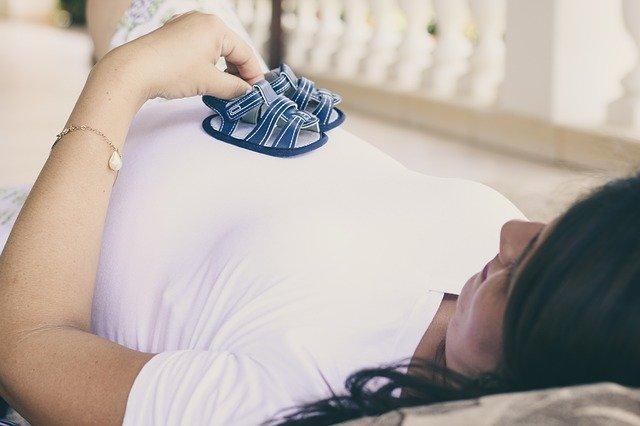 Hamileyken Bebek Emzirilebilir mi ?