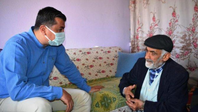 Kahramanmaraş'ta görme yetisini kaybetme tehlikesi olan yaşlı adama şefkat eli