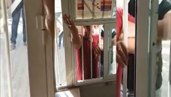 Şanlıurfa'da aile sağlık merkezi çalışanlarına saldırmak isteyen iki kişi gözaltına alındı