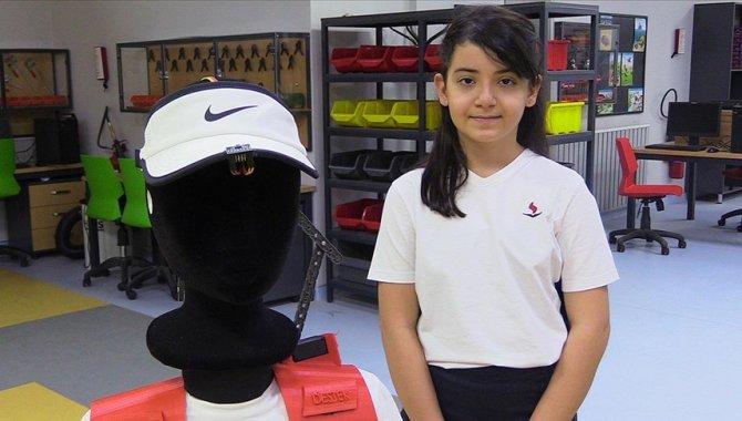 İlkokul öğrencisi, ALS hastaları için yaşam destek aparatı tasarladı