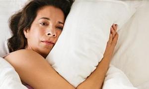 Yaşlılar; uykusuz gecelerin yalnız ve gönülsüz nöbetçileri