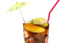 Diyet içecekler belinizi genişletiyor