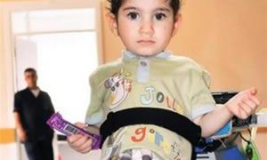 Yapay kalple yaşıyor! Türkiye'nin en küçük yapay kalpli hastası...