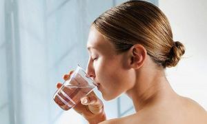 Yemeklerden önce su içmek kilo verdiriyor mu?