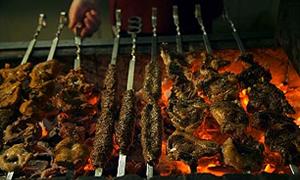 Ayda iki kez Adana kebap yiyin işkembe çorbası için
