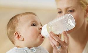"""""""Bebek Mamalarını Sağlık Bakanlığı Ruhsatlandırmalı ve Marketlerde Satılmamalı"""""""
