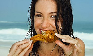 Kadınlar bol bol tavuk yiyin!