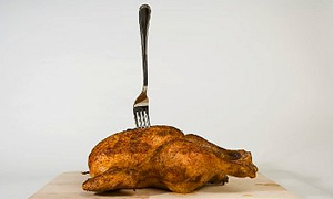 Hastanede tavuk yiyen 115 kişi zehirlendi