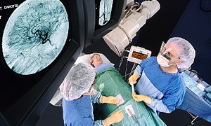İzmir'e 11 katlı akıllı ameliyat binası