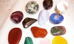 Kadınların yeni tutkusu şifalı taşlar