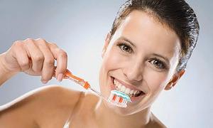 4 kişiye 1 diş fırçası düşüyor pazar ancak yüzde 8 büyüyor