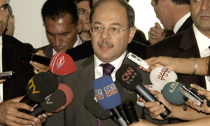 Sağlık Bakanı sektörde gözaltına alınanların izini sürüyor