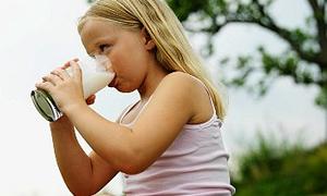 Çocukların 2 bardak süte ihtiyacı var