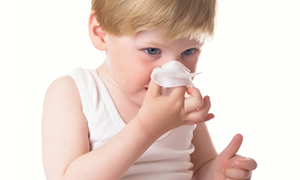 """Soğuk havalara dikkat!  Çocuklarınızı  """"bronşiolit""""ten koruyun!.."""