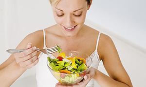 Öğlenleri yiyin, sağlığınızı koruyun!