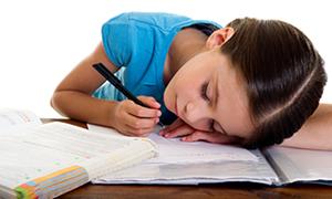 Çocuklarda orta kulak iltihabı okul başarısını etkiliyor