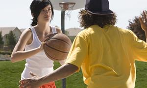 Kızlar basketbolda, erkekler futbolda daha çok sakatlanıyor