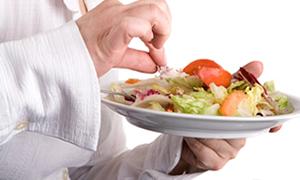 Menopoz döneminde alınan kilolara dikkat!