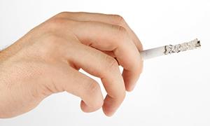 10 hekimden 1'i sigara içiyor