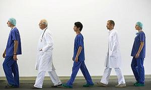Bakanlık özel hastanede çalışan hekimlere göz açtırmıyor