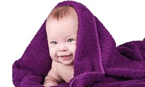 Bebeğinizin konuşmasını desteklemek için doğumundan itibaren tane tane konuşun