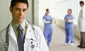 Sözleşmeli sağlıkçının maaşı asgari ücrete indi