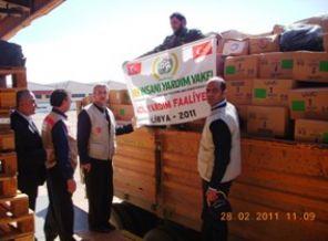 Türk doktorlar Libya'da halkın yanında