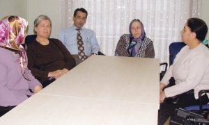 Devlet, psikiyatri hastasını ailesiyle birlikte rehabilite ediyor