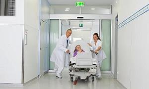 Kimsesiz hastalara karşılama ekibi