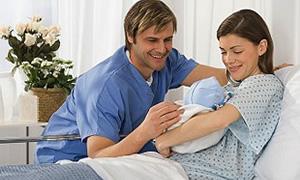 Doğum iznini belirleyen düzenleme gecikince yeni bebek sahibi anne-babalar mağdur oldu