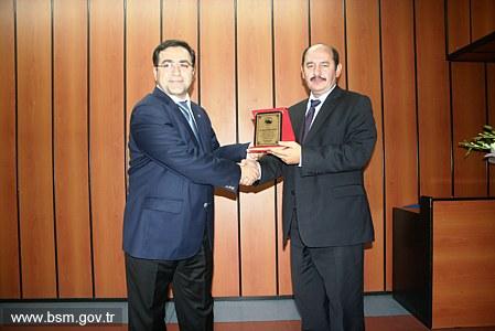 Dr. Özcan Akan,  düzenlenen bir törenle Sağlık Müdürlüğü görevini teslim aldı