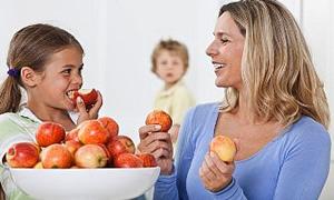 Çocuklarda diyet yaşı 12'den 8'e düştü