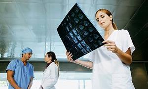 Sağlık çalışanlara sağlıksız muamele