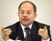 Bakan Akdağ'dan meslek örgütlerine tepki: Politika yapacaksanız parti kurun
