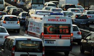Geç gelen ambulans kaymakamı çıldırttı / Video