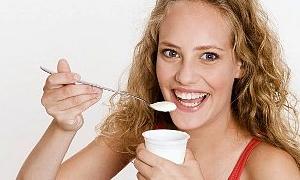Yoğurt yiyen daha çabuk kilo veriyor!