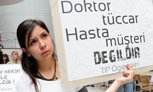 Doktorlar tüccar hastalar müşteri değildir !