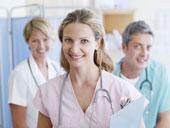 Hastane Personeli Artık 'Gelişi Güzel' Giyinemeyecek