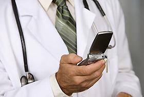 Sağlık personelinin cep telefonlarındaki kirlilik