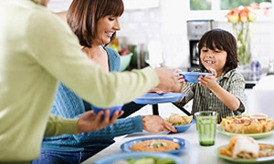 Aileyle yiyen obez olmuyor
