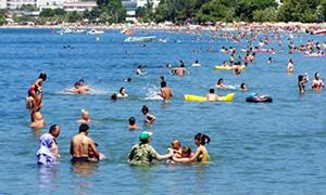 Rize'deki plajlar yüzme takip sistemiyle takip ediliyor