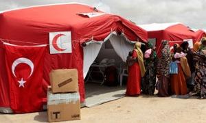 Türk hastanesi Somali'de şifa dağıtıyor