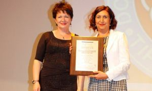 DEÜ Hastanesi Hemşirelik Hizmetleri ISO 9001 kalite belgesi aldı
