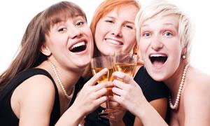 Sigara ve içki içenler risk altında