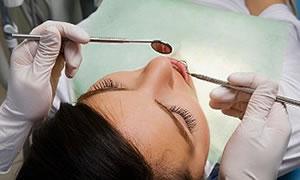 Bembeyaz dişler için steril hekim şart