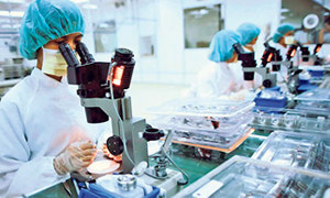 Pfizer Türkiye'de 75 milyon doz aşı üretecek