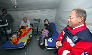 Sağlık Bakanı Recep Akdağ: Mümkün olduğu kadar hastalarımızı çevre illere naklediyoruz
