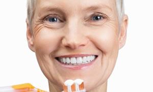 Menopoz döneminde dişlere dikkat!
