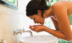 Cildinizi önce ılık sonra soğuk suyla yıkayın