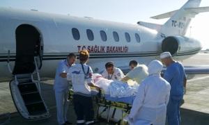 Yoğun bakımdaki Hacılar hava ambulansıyla Türkiye'ye getirildi